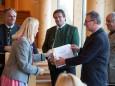 Ing. Erich Haring wird eine Urkunde überreicht - 85 Jahre Seilbahn Bürgeralpe Mariazell - Offizieller Festakt