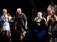 Publikum auf der Bühne - THE REAL ABBA tribute bei der Bergwelle in Mariazell