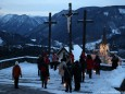 Mariazeller Advent 2012 - Gottfried Schöggl mit den Teilnehmer der Laternenwanderung am Kalvarienberg