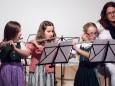 Saskia Scheikl, Lara Ofner, Eva Bröderbauer - Adventkonzert Musikschule Mariazell 2011 im Volksheim Gußwerk