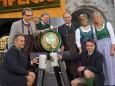 Aufsteirern in Graz 2011 - Organisationsteam, Gösserchef und Politiker
