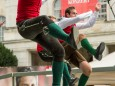 Auch Michael Spindelegger findet gefallen am Auftritt des Trachtenverein Rossecker - Aufsteirern in Graz 2013