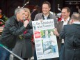 Johann Kleinhofer bekommt eine großes NÖN Titelblatt - 100. Bergwelle mit Stefanie Werger & SOLOzuVIERT