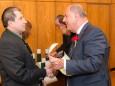 Markus Dallago bekommt das Ehrendiplom des Landes Steiermark. Mariazell - Gemeinderat Angelobung und Bürgermeister- und Stadtratwahl am 23.4.2015