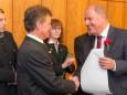 Herbert Fuchs bekommt das Ehrendiplom des Landes Steiermark. Mariazell - Gemeinderat Angelobung und Bürgermeister- und Stadtratwahl am 23.4.2015