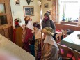 Heilige Drei Könige stärken sich beim Franzbauer. Handyfoto: Franz-Peter Stadler