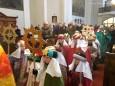 Einzug der Heiligen Drei Könige in die Pfarrkirche Gußwerk. Handyfoto: Franz-Peter Stadler