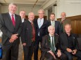 Helmut Pertl mit den Mitgliedern der Bundes- und Landesinnung der Tapezierer
