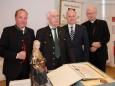Bgm. Josef Kuss, Ehrenbürger Helmut Pertl, Landesrat Johann Seitinger, Bischof Egon Kapellari