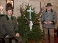 Hubertushirschschütze Gerhold Neumayr und sein Jagdbegleiter Franz Höhn - Hubertusfeier mit Festmesse in der Bruder Klaus Kirche am Hubertussee in der Walstern.