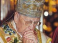 kardinal-könig-im-gebet-mit-mariazeller-mitra-@-basilika-mariazell