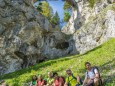 Teufelsbrücke von unten - Kletterpark Spielmäuer mit Wanderweg zum Gipfel und zur Teufelsbrücke