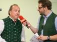 Mariazells Bürgermeister Josef Kuss im Gespräch mit Daniel Neuhauser ORF - Klostermarkt in Mariazell 2014
