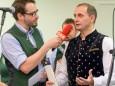 Veranstaltungsorganisator Johann Kleinhofer im Gespräch mit Daniel Neuhauser ORF - Klostermarkt in Mariazell 2014