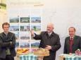 Bernhard Schwischei (Tourismus) und Bürgermeister Altötting Herbert Hofauer, Bgm. Mariazell Josef Kuss - Mariazeller Klostermarkt 2013 - Eröffnung