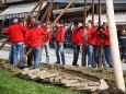Maibaumaufstellen in Mariazell
