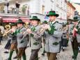 Stadtkapelle Mariazell marschiert ein - Traditionelles Maibaumaufstellen in Mariazell am 1. Mai 2015