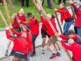 Bergrettung stellt den Maibaum auf - Traditionelles Maibaumaufstellen in Mariazell am 1. Mai 2015