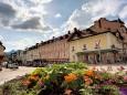 Blick auf die Häuserzeile der Grazerstrasse in Mariazell