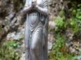 Bronzeguss-Marienstatue - Marienwasserfall - Marienstatue Befestigung durch die FF Mariazell am 30. Juni 2014