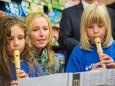 Volksschulkinder bei der Nah&Frisch Markt Neueröffnung in Mitterbach