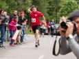 Noch schnell ein Getränk vorm Ziel - Night Run 2014 um den Erlaufsee