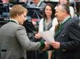 Ing. Christian Schwab überreicht die Auszeichnungen - Stadtkapelle Mariazell Osterkonzert 2015 im Aktivhotel Weißer Hirsch