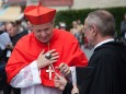 Requiem für Otto von Habsburg in Mariazell - Superior P. Schauer begrüßt Kardinal Schönborn