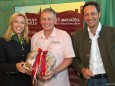 Hauptsponsoren Katharina Rippel-Pirker und Georg Rippel (Lebkuchen Pirker) mit Rainhard Fendrich