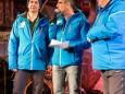 Johann Kleinhofer (links), Moderator Martin Böckle und Hanspeter Brandl (rechts) im Interview - Naturbahn-Rodel WM 2015 im Mariazellerland - Eröffnungsfeier.