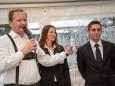 Robert Karner mit dem Geschäftsführer Daniel Leitgeb und seiner Assistentin Gabi Schweiger - RR-Residenzen in Mitterbach - Eröffnungsfeier