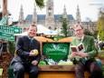 Steiermark Tourismus GF Erich Neuhold und LR Christian Buchmann - 20. Steiermark Frühling - Steirerfest 2016 in Wien
