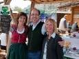Brigitte Digruber, Harald Schweighofer und Marion Plott betreuten den Tourismusstand am Eröffnungstag