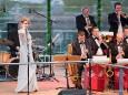 Susanne Rader und die Swing Time Big Band bei der Bergwelle 2010