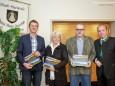 Herbert Schweiger (Radclub), Rita Feldhammer (Reitergruppe), Wolfgang Lasinger (Bahnengolfclub), Bgm. Josef Kuss