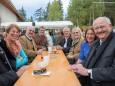Die Altöttinger Freunde mit Bürgermeister Herbert Hofauer (v.r.) und Mariazells Bgm. Manfred Seebacher (l.R.3.v.v.) - Weisenblasen am Hubertussee - 4. Oktober 2015