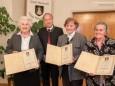 Margarethe Pölzl, Bgm. Josef Kuss, Aloisia Bayerl, Josefine Eder - Feierliche Überreichung des Wirtschaftspreises der Stadt Mariazell