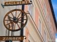 Eine vereinfachte, neuzeitlichere Version eines Zunftzeichens beim Radlwirt