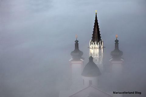 basilika-im-nebel
