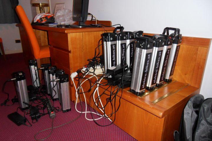 So sieht es in etwa aus wenn wir im Hotelzimmer Akku laden