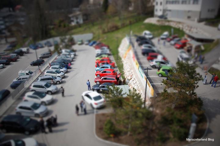 Autoschau - Foto im Tiltshiftverfahren vom Europeum aus gesehen