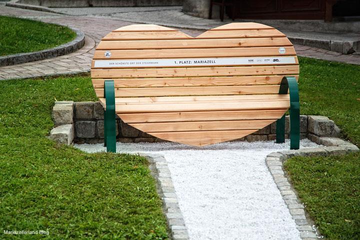 Steiermark Bankerl am Hauptplatz in Mariazell