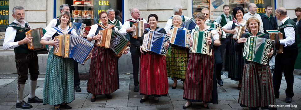 Ziehharmonikagruppe - Aufsteirern 2010 in Graz