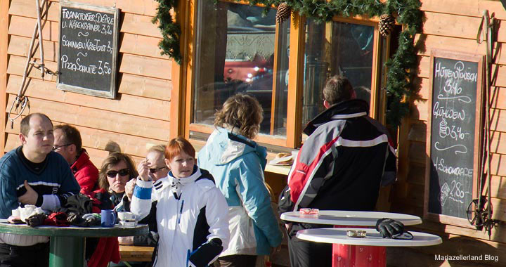 Apres Ski vor der Hütte - 16. Jänner 2011 - Bürgeralpe Mariazell