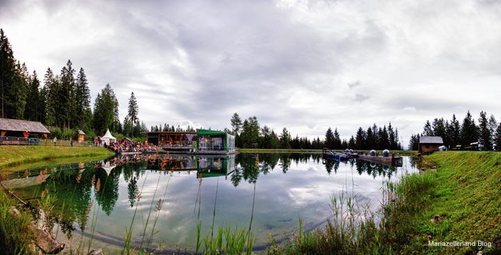 Bergwellen Arena mit VIP-Arche und Seebühne