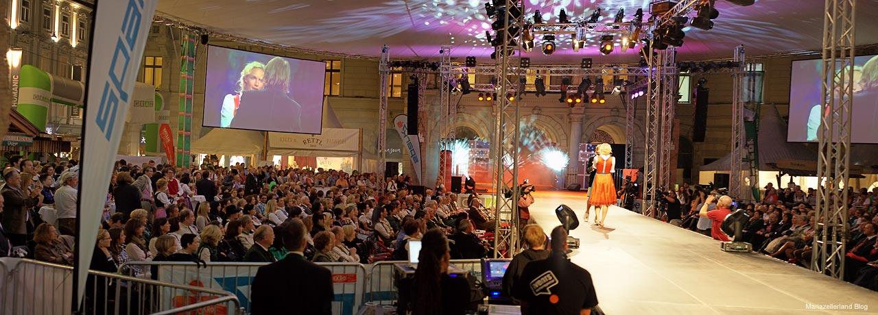 Pracht der Tracht in Graz - Modenschau - Aufsteirern 2011