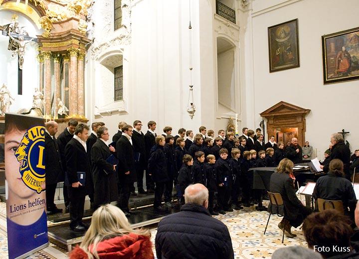 Florianer Sängerknaben - Lionsclub Adventkonzert in der Basilika