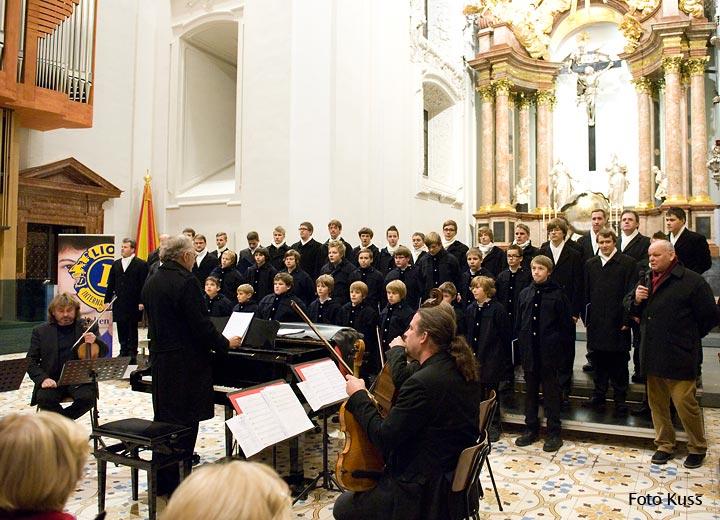 Florianer-Sängerknaben - Lionsclubkonzert beim Mariazeller Advent