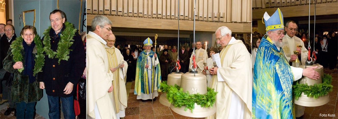 Franz und Berta Pojer spenden die neuen Stundenglocken, die von Abt Otto Strohmaier geweiht wurden.