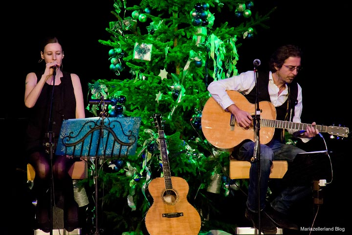 Papermoon - Edina Thalhammer & Christof Straub beim Mariazeller Advent 2011